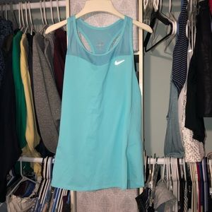 workout tank with pocket